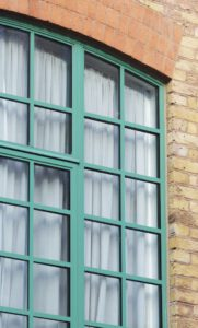 Alitherm 47 heritage window in green